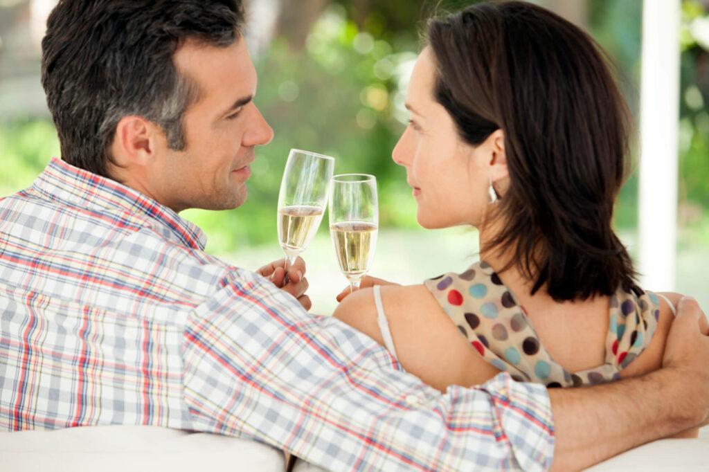 Online Dating for Men Over 40 in Canada